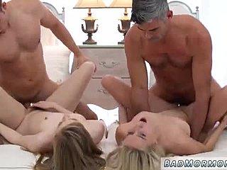 Секс видео группа на пляже 27