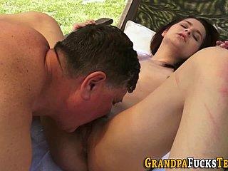 Jong en oud sex
