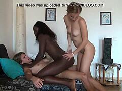 Schwarzes Teen Girl Interracial