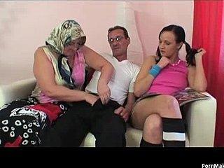 Fed asiatisk granny porno